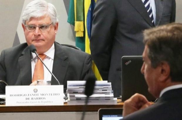 Janot entrega denúncia contra políticos do PP por organização criminosa